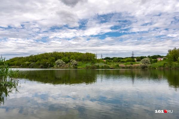 Тишина, гладь озера и свежий воздух — как будто и не Ростов