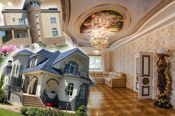 Маленькие и большие замки можно рассмотреть внутри и снаружи