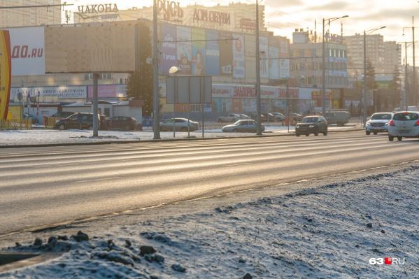 Вот такие опасные колеи есть на Московском шоссе