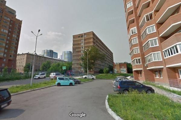 Семья проживает в общежитии на Борисова, 22