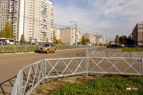 В Ярославле чиновники считают, что пока в городе установили недостаточное количество заборов