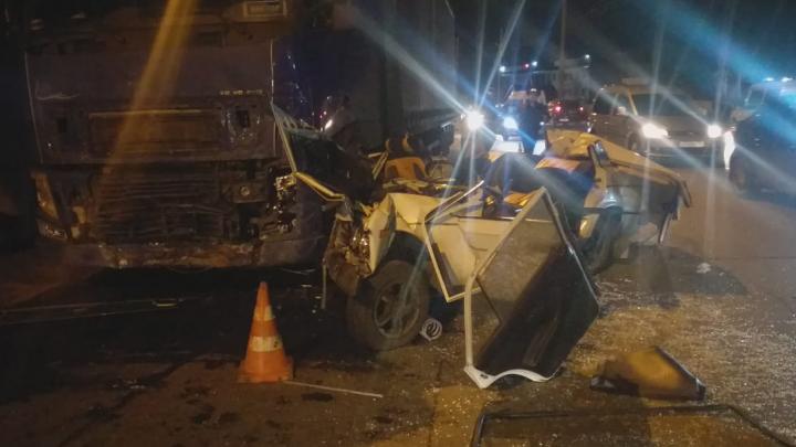 Водитель «Жигулей» погиб в тройном ДТП на Станционной
