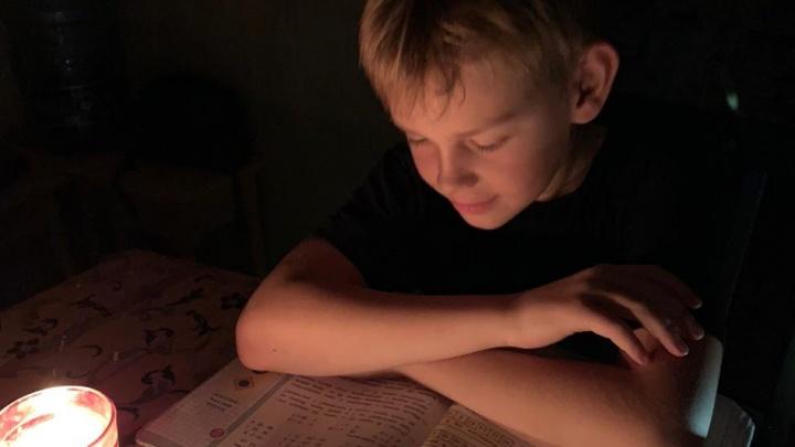 «Холодно, уроки делать при свечах невозможно»: 50 домов в поселке под Уфой остались без света и отопления