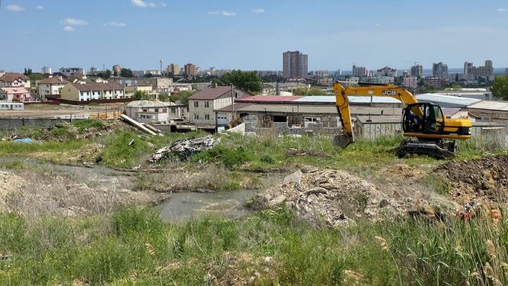 Отключений не будет: в Волгограде заменят 75 метров разрушенного канализационного коллектора