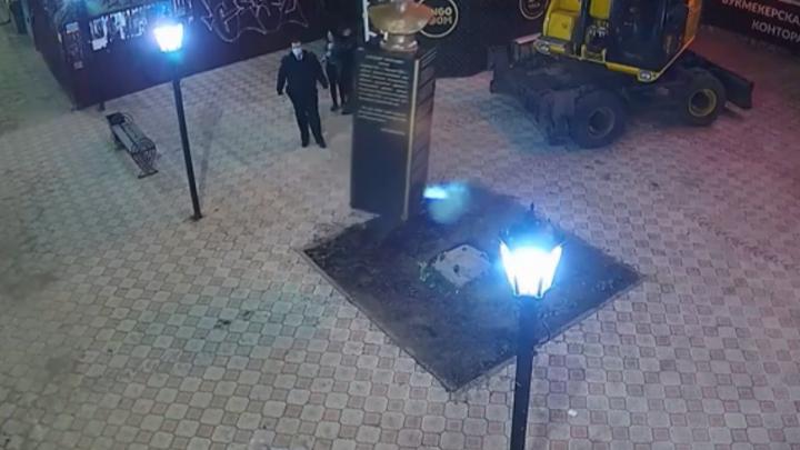 Появилось видео сноса памятника адмиралу Колчаку в Стерлитамаке