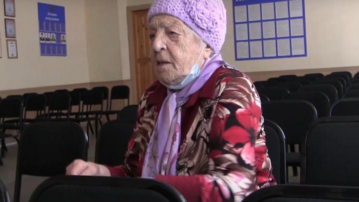 В Омске электрик нападал с ножом на пенсионерок и отбирал у них деньги