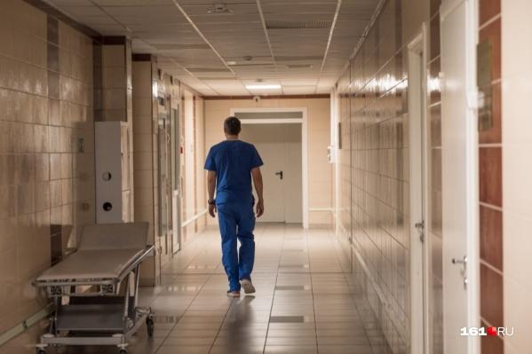 По мнению девушки, дома остаться безопаснее, чем отправиться в инфекционное отделение