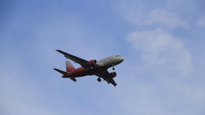 В аэропорту Архангельска сообщили, что авиакомпании отменяют некоторые внутренние рейсы