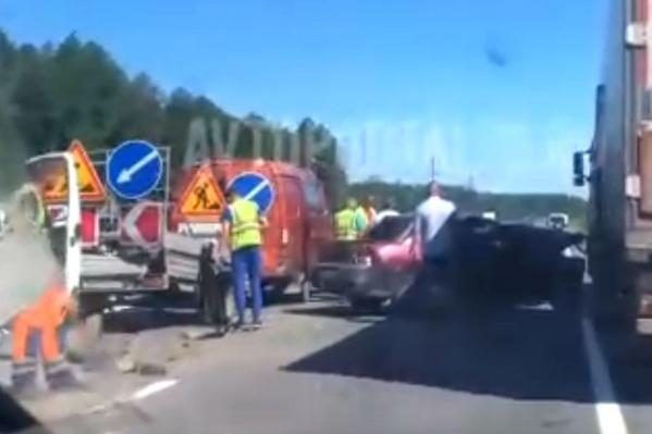 Водителя легковушки доставили в больницу