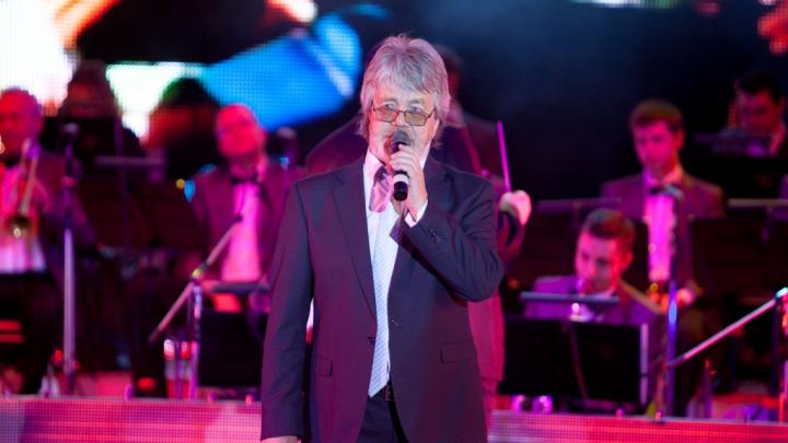 «Ушла целая эпоха»: стало известно, где простятся с легендарным уральским певцом Валерием Топорковым