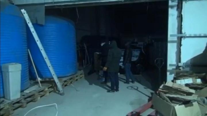ФСБ в Волгограде накрыла подпольный цех с суррогатным алкоголем