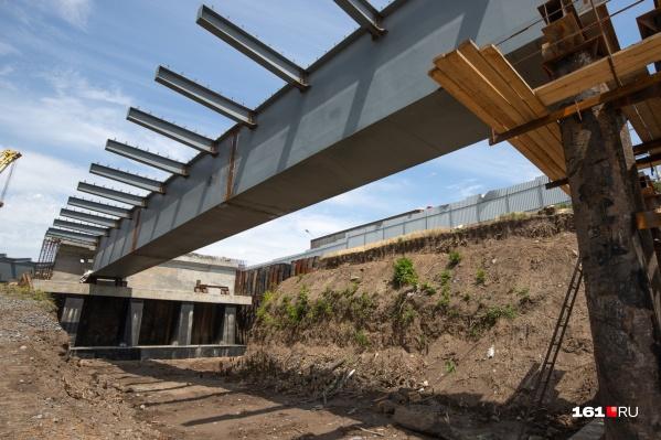 Строительство моста должны завершить в декабре 2021 года