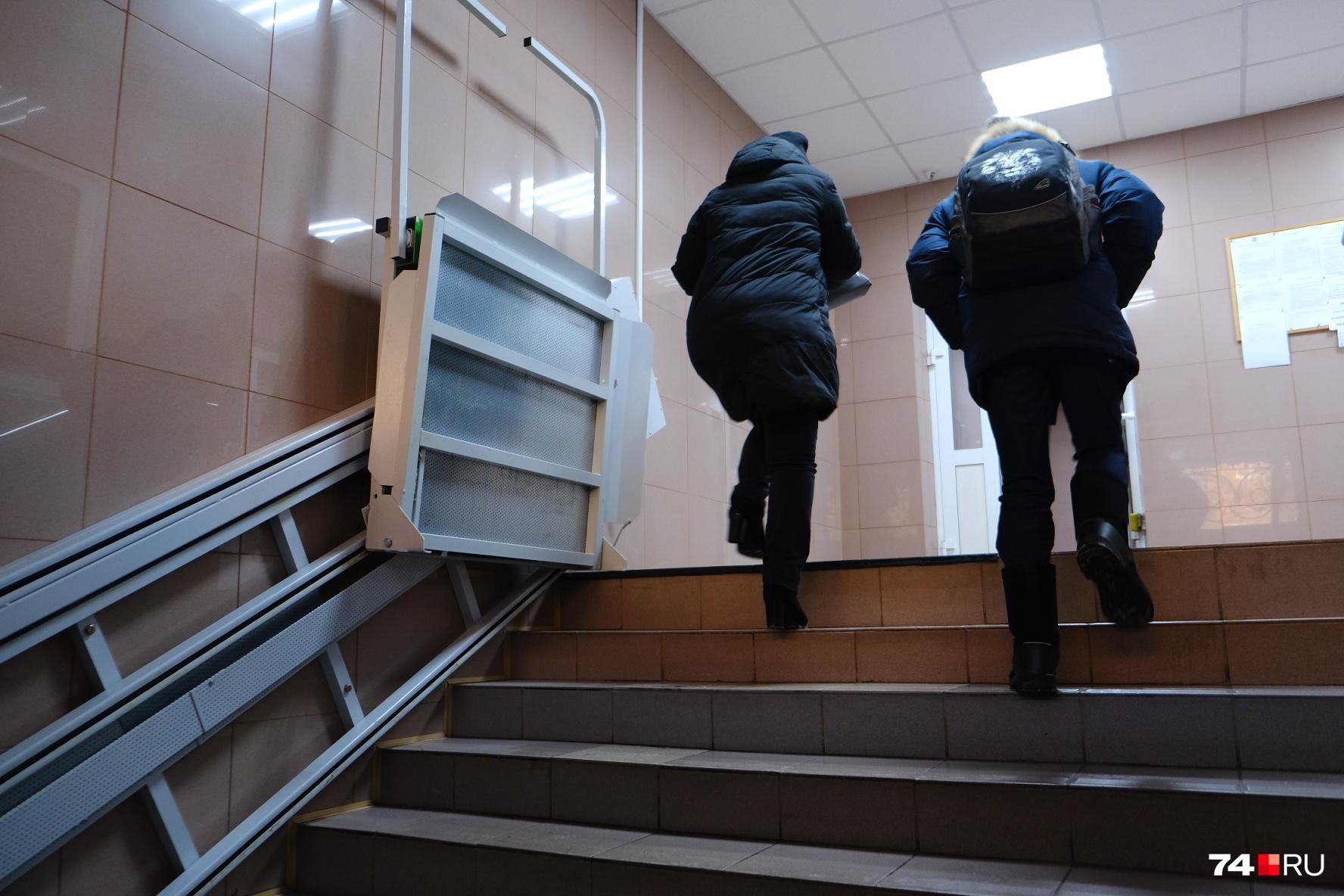 Подъемник обошелся инвалиду в сумму около 150 тысяч рублей