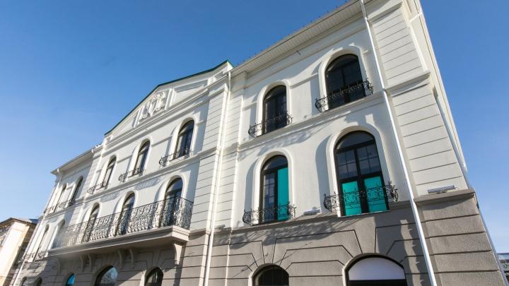 Разбор статусных зданий по кирпичикам: из чего построены гостиницы, клиники и спорткомплексы Челябинска