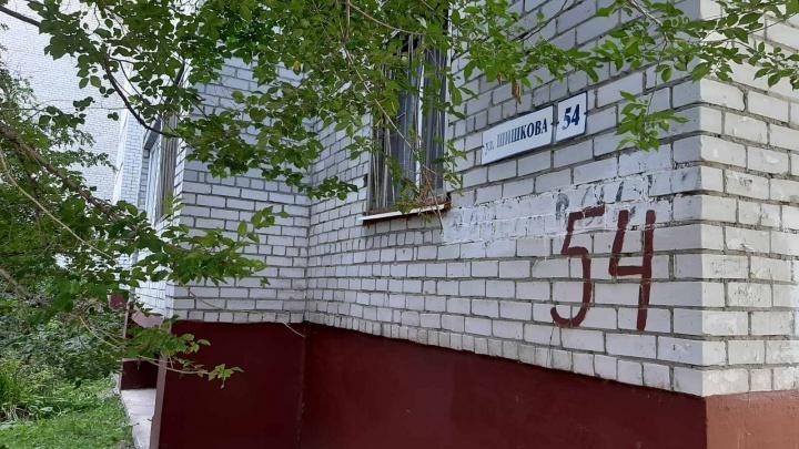 Жители тюменской многоэтажки судятся с УК из-за ремонта за собственные деньги