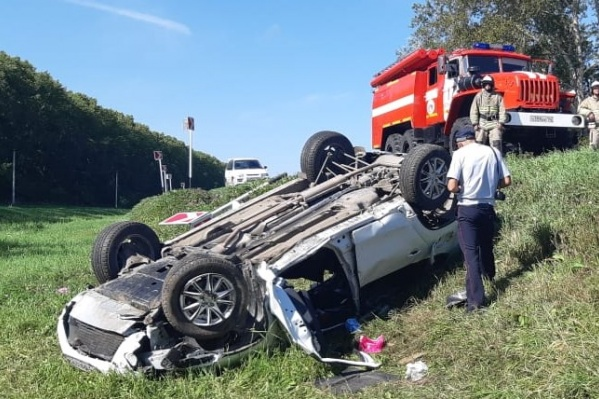 В результате аварии два человека погибли на месте, ещё двое доставлены в реанимацию