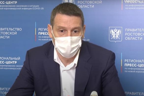 Дмитрий Сизякин объяснил, что медикам все еще приходится учиться работать в новых условиях