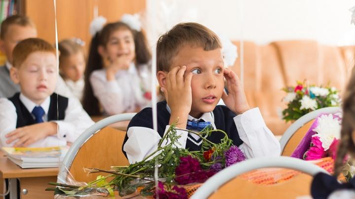 В Кузбассе ещё одну школу полностью перевели на дистанционку. Там COVID-19 заболели учителя