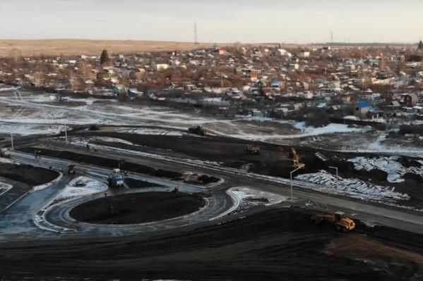 Яблоком раздора стало Северное шоссе, которое в будущем, когда его достроят полностью, должно связать Московское шоссе, Крутые Ключи и Кошелев-парк