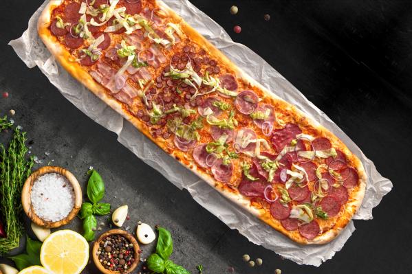 Привычная пицца обзавелась новыми фишками — это аппетитные размеры и незаурядная внешность