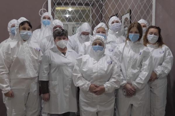 В больнице не хватает сотрудников: если раньше поликлинику убирали семь санитарок, то сейчас — только одна