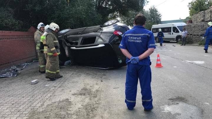 Из машины текла кровь: видео последствий смертельного ДТП в Зубчаниновке
