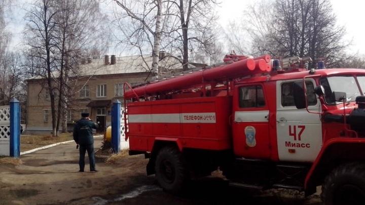Замкнуло стиральную машинку: из реабилитационного центра в Челябинской области эвакуировали детей
