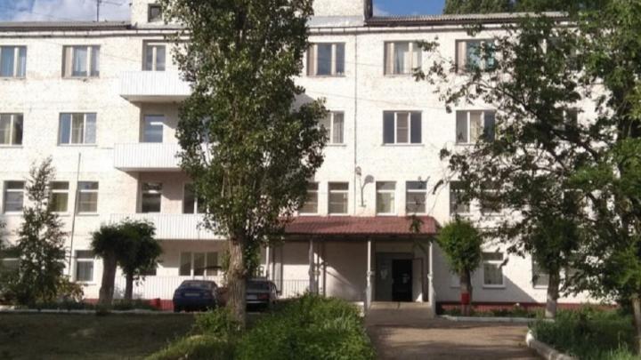 Вернувшегося из Москвы волгоградца с температурой и воспалением лёгких не обследовали на коронавирус