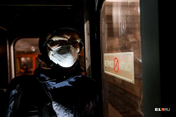 Столкнувшиеся с проблемами волгоградцы все чаще понимают, что их оставляют один на один с коронавирусом