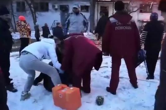 В течение полутора часов в Магнитогорск отправили реаниматологов, анестезиологов и специалиста по ожогам