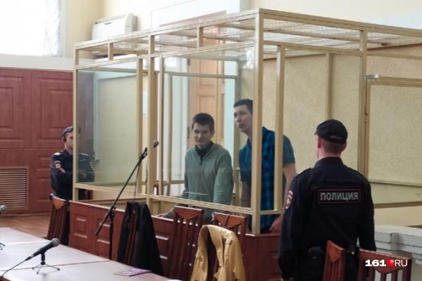 Яна Сидорова (слева) и Владислава Мордасова осудили в октябре прошлого года