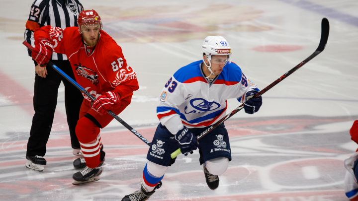 Дракой и разгромом «Лады» открылся хоккейный сезон в Ростове