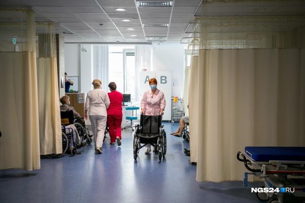Врачи краевой больницы помогли женщине не только справиться с раком, но и затем по максимуму убрать последствия операций