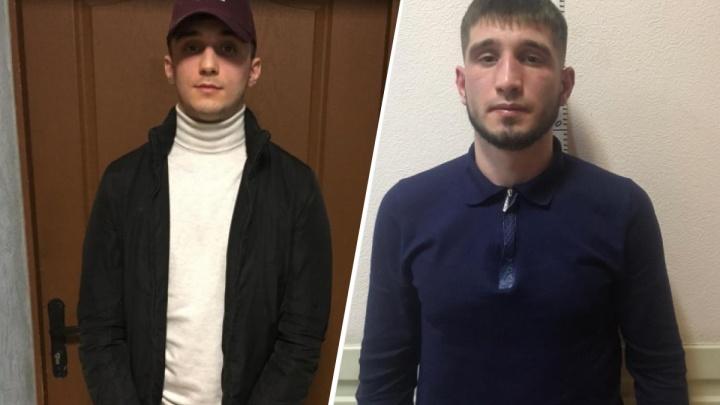 Пришёл в гости, угрожал пистолетом: жительницу Новосибирска ограбили после знакомства в интернете