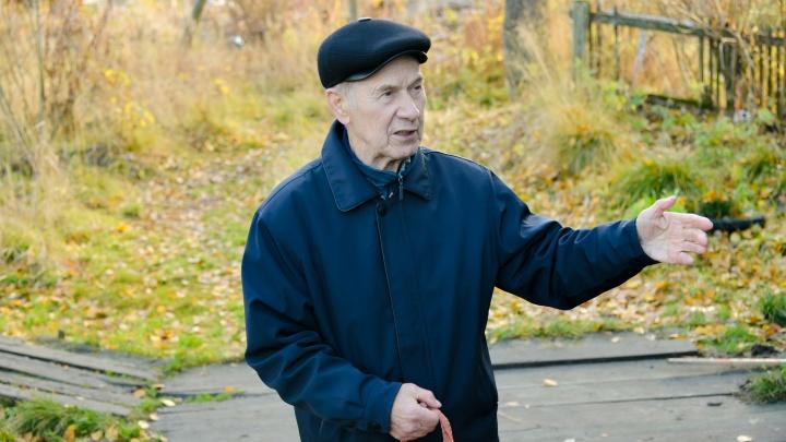 «Приходится воевать»: как пенсионер из Турдеевска борется за лучшую жизнь в поселке