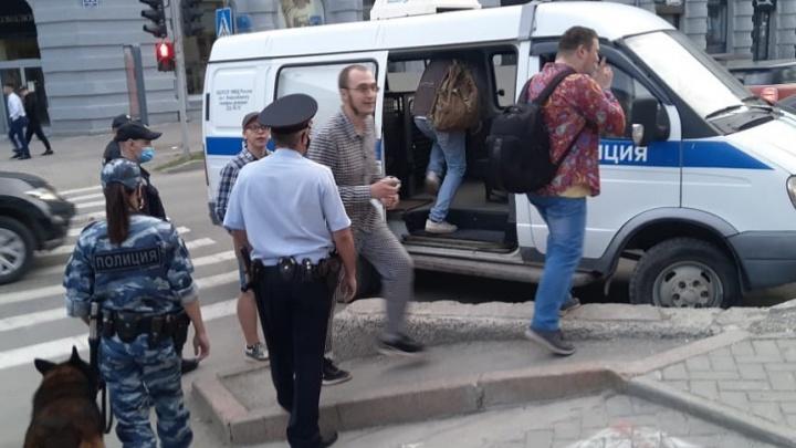 Полиция начала передавать в суд протоколы на участников скандальных вечеринок в Новосибирске