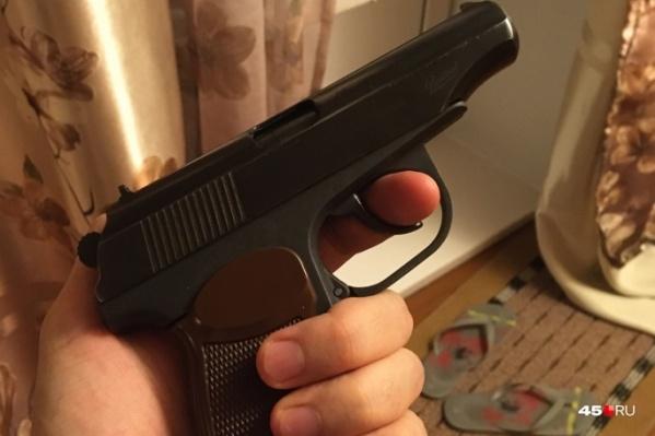 Курганцу грозит срок за хулиганский выстрел из травматики