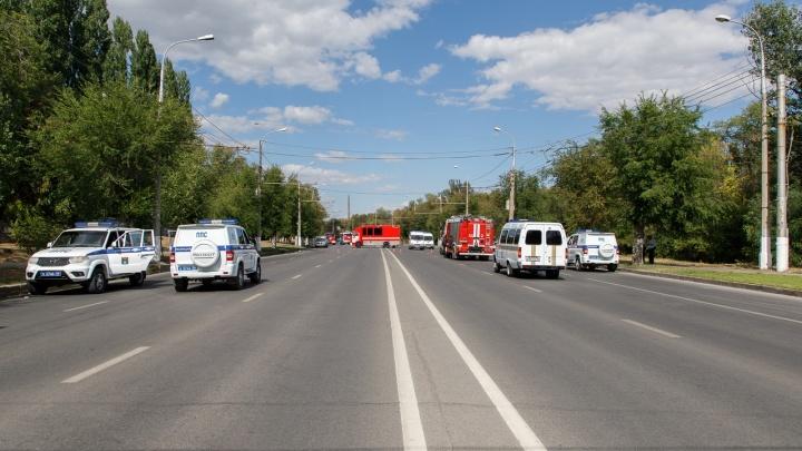 Общественный транспорт Волгограда объезжает разрушенную заправку по Второй Продольной