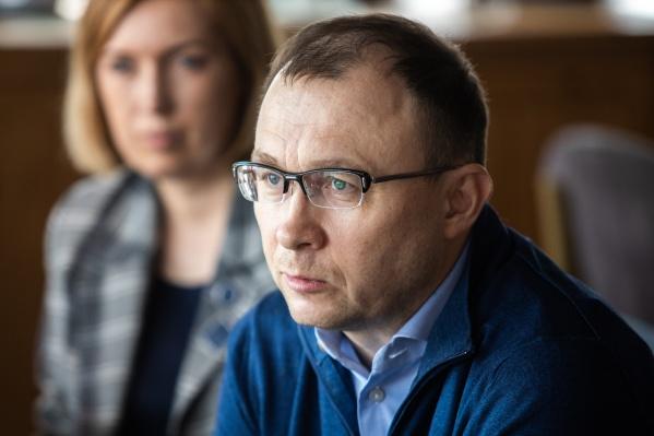 Генеральный директор Tele2 Сергей Эмдин заверил, что резкого скачка цен на услуги связи ждать не стоит