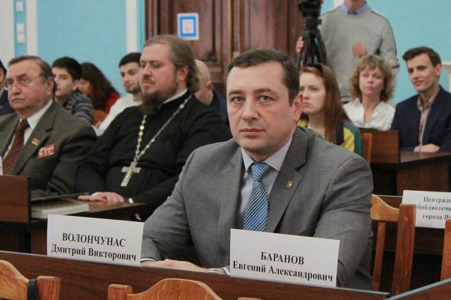 Дмитрий работает депутатом муниципалитета Ярославля