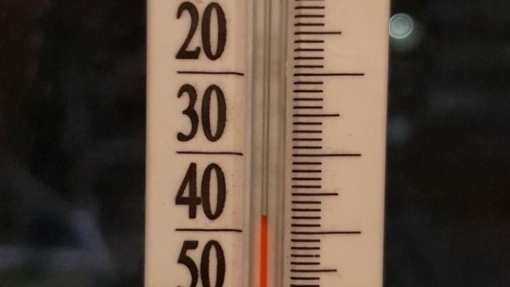 Битва термометров: новосибирцы показали, у кого какая температура за окном
