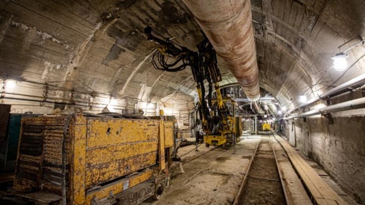 На компанию, строившую метро в Челябинске, завели дело за задержку выплат уволенным в пандемию