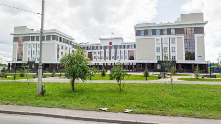 Кемеровский областной суд готов потратить 5,2 млн рублей на охрану