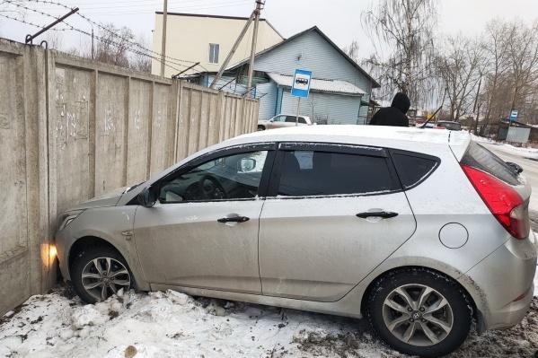 Полицейский на личном автомобиле не справился с управлением и сбил 80-летнюю пенсионерку