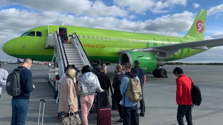 Следователи начали проверку после отказа двигателя у самолета, вылетевшего из Кольцово в Москву