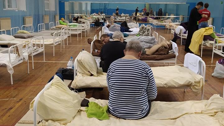 Областные власти объяснили, почему в обсерваторе пациентов с коронавирусом размещают в спортзале