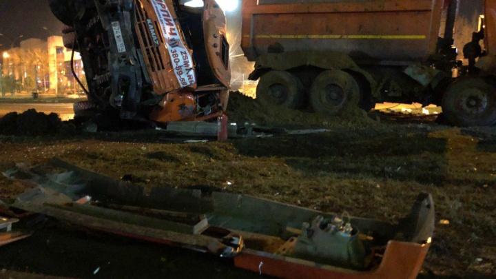 В Ленинском районе столкнулись два грузовика — есть пострадавшие