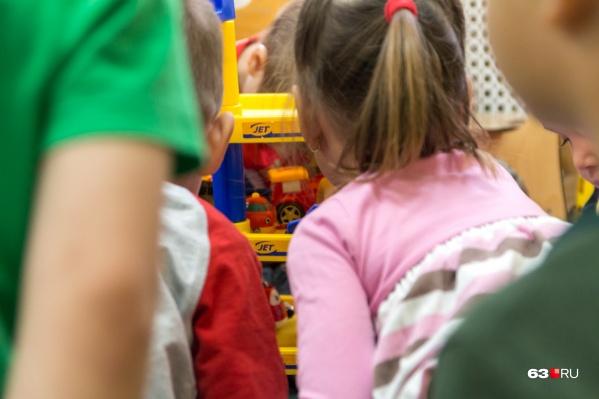 Чтобы устроить ребёнка в детсад, родителям приходится несколько лет стоять в очереди