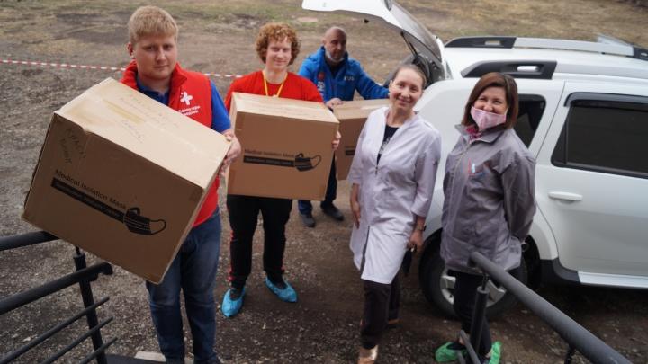 Сбербанк передал волонтёрам из Красноярского края 11 000 масок