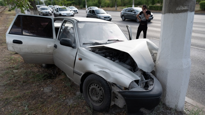Похоже, были проблемы с машиной: страшное ДТП в Краснооктябрьском районе попало на видео